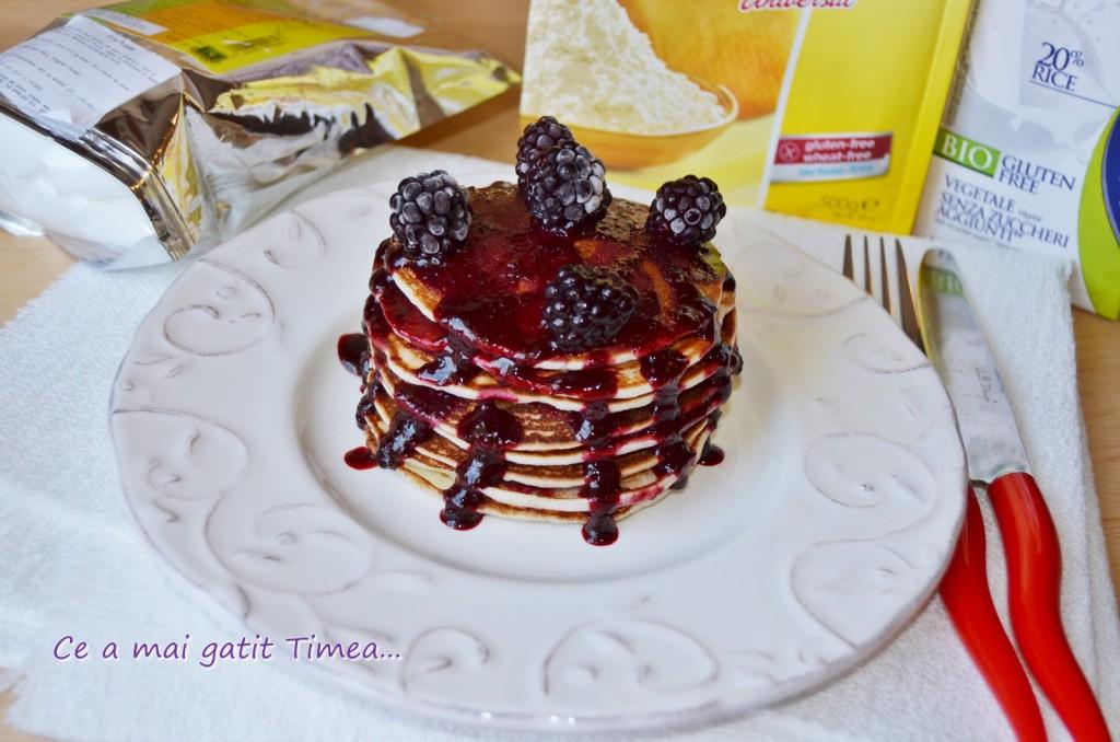 Pancakes cu sos de mure - fara gluten si lactoza