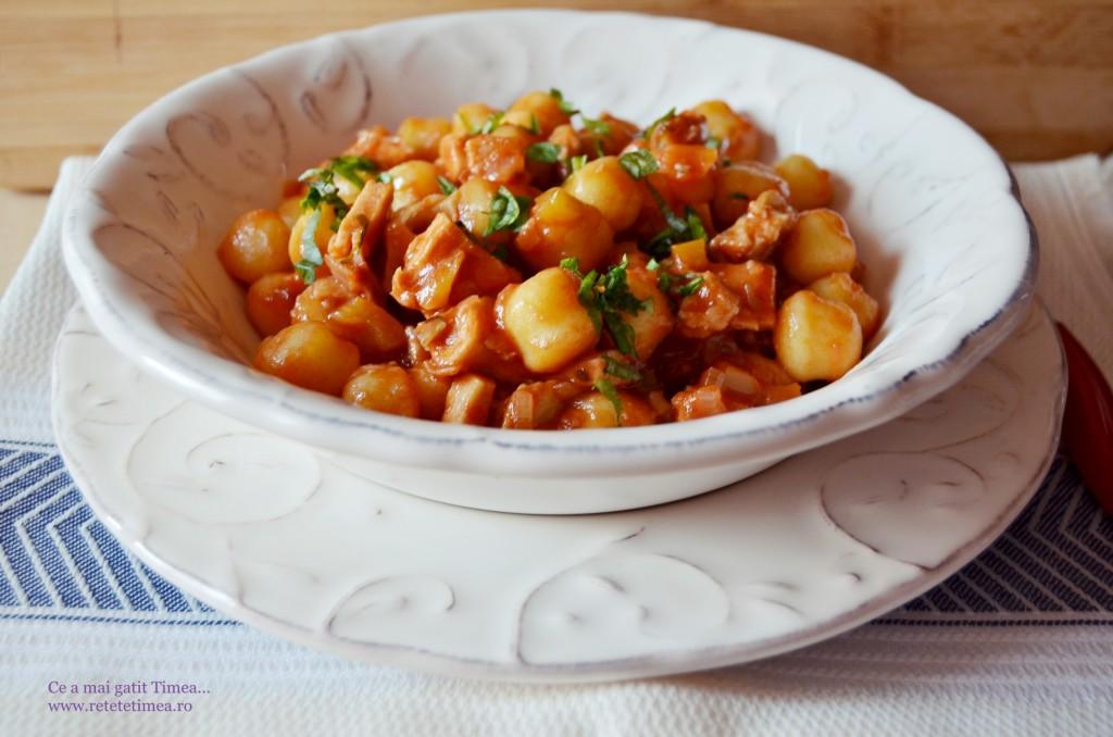galuste din cartofi cu sos de rosii si piept de pui 2