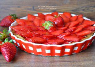 tarta cu budinca de vanilie si capsuni 1
