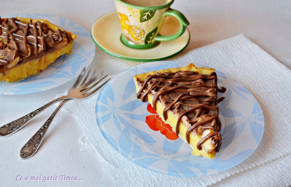 tarta cu crema de vanilie si banane 5