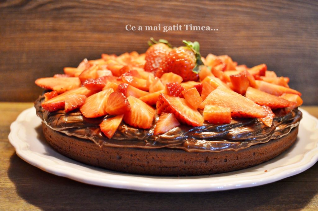 Articole culinare : Prajitura cu ciocolata si capsune