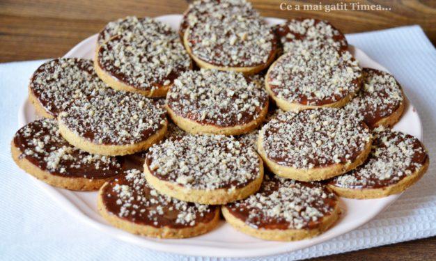 Biscuiti Cu Alune Si Glazura De Ciocolata Retete Timea